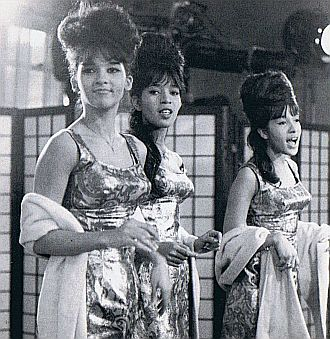 ronettes-4-1964-65-ronettes-1-lge-330