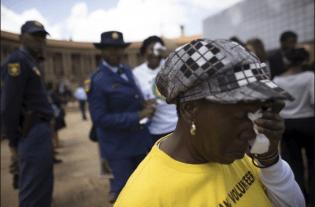 Mandela Lies In State13