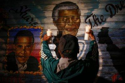 Mandela Mourned16