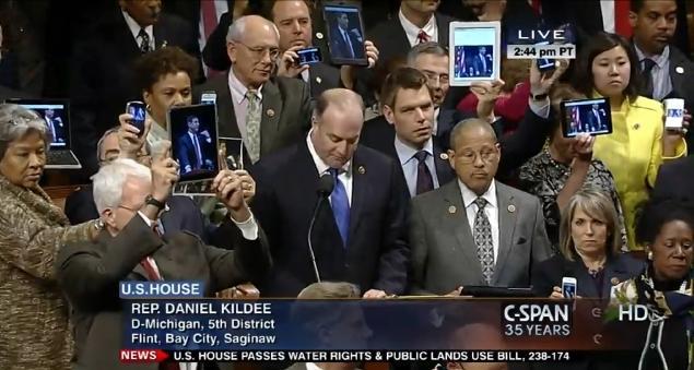 democrat-ipad-protest-darrell-issa-house-floor-shut