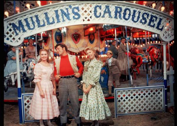 carousel-4