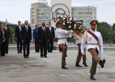 Cuba wreath laying ceremony 6