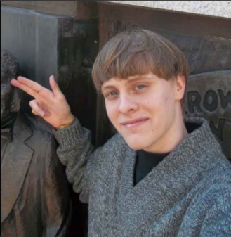 dylann-roof-disrespecting-the-african-american-monument-