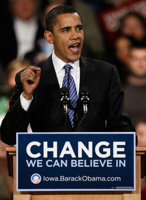 DES MOINES, IA - JANUARY 03:  Democratic presidential candidate Sen. Barack Obama (D-IL) thanks supporters following the Iowa caucuses January 3, 2008 in Des Moines, Iowa. Obama came in first in the Democratic caucus and will now move his campaign for the American presidency to New Hampshire which holds its primary next week.  (Photo by Win McNamee/Getty Images)