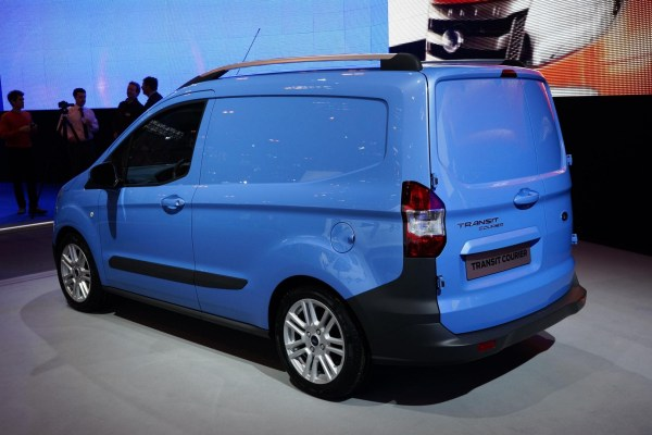Ford Transit Courier - 3d Car Shows