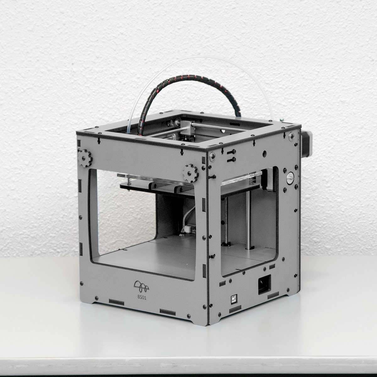 国産の超小型3Dプリンタ「BS01 BONSAI Mini」に出資中。