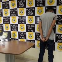 Jovem é preso com quase 4 quilos de drogas em Rodoviária, o entorpecente iria para Tarauacá