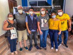 Dr. Jenilson Leite participa de ação de saúde no bairro Irineu Serra e auxilia no atendimento dos moradores 3 (2)