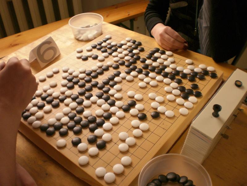 AlphaGo сумела обыграть человека в сложно поддаваемой алгоритмированию игре Го