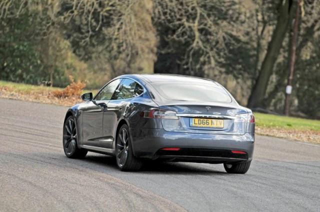 sm.tesla-model-s-95d-rear.750 Tesla — №1 в классе люкс: статистика продаж электрокара Model S в Европе