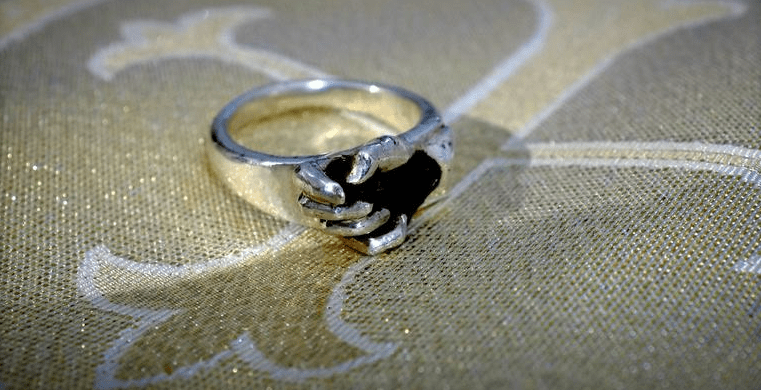 3D Printed Wedding Ring Holds A Piece Of The Moon At
