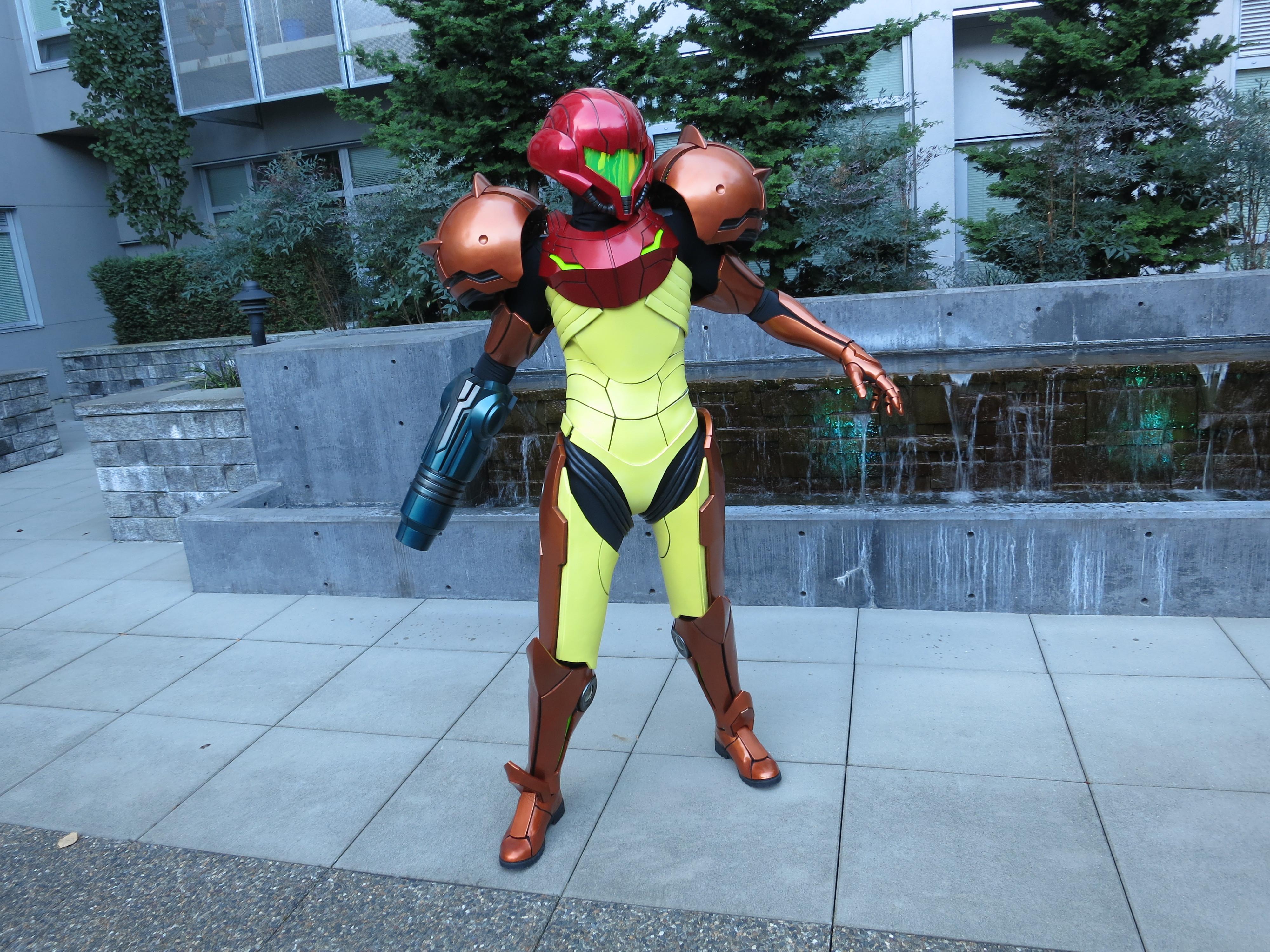 Woman 3D Prints FullSize Samus Aran Varia Suit from