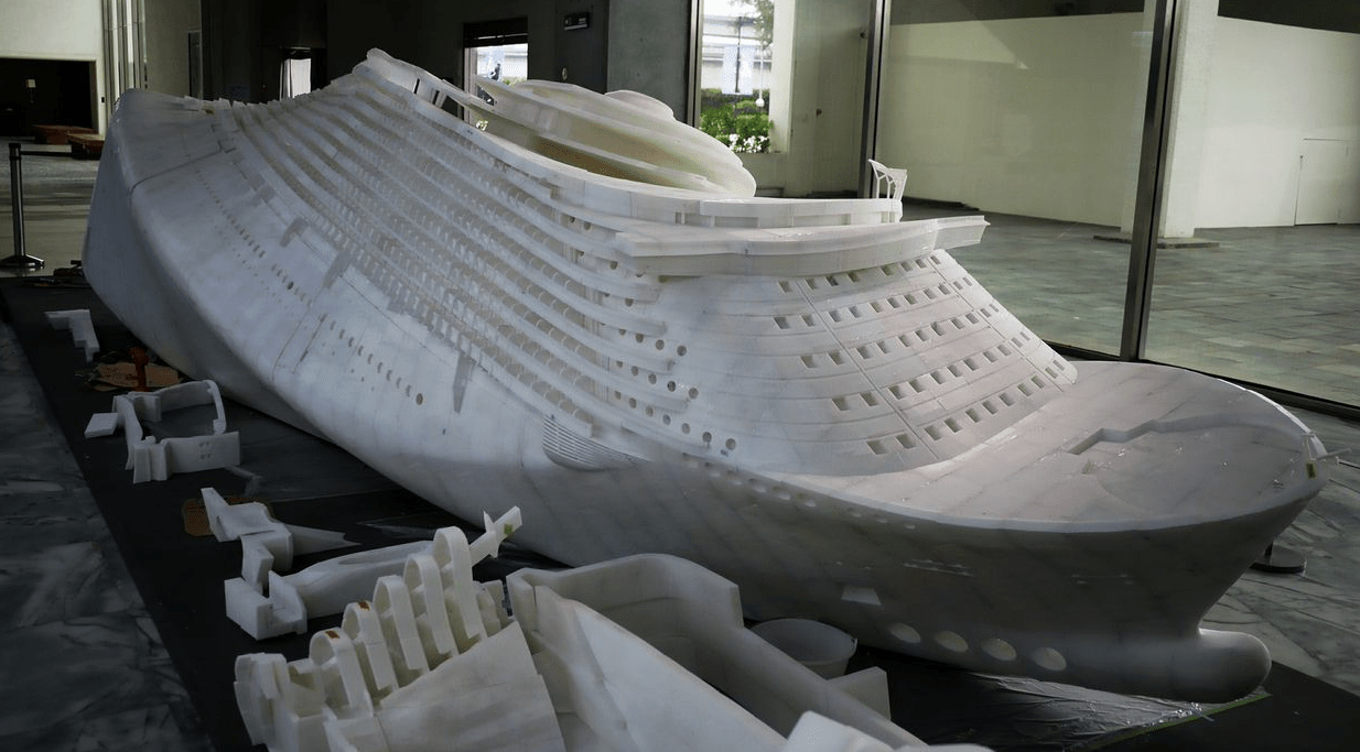 The 8 meter (26 foot) 3D printed boat - printed in 100,000 pieces.