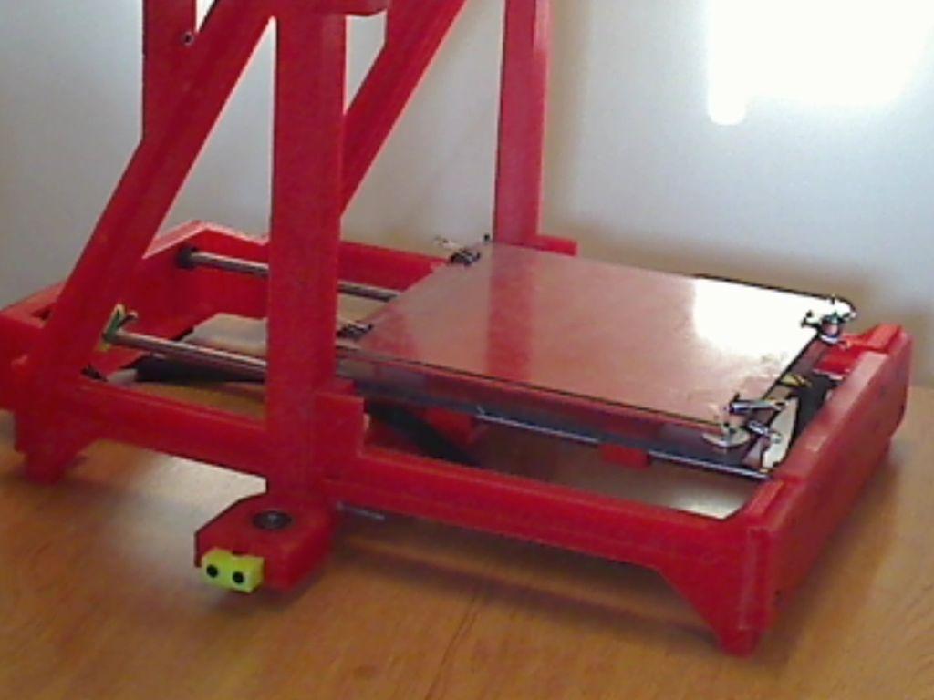 Hobbyists Design  Build Big Red SelfReplicating