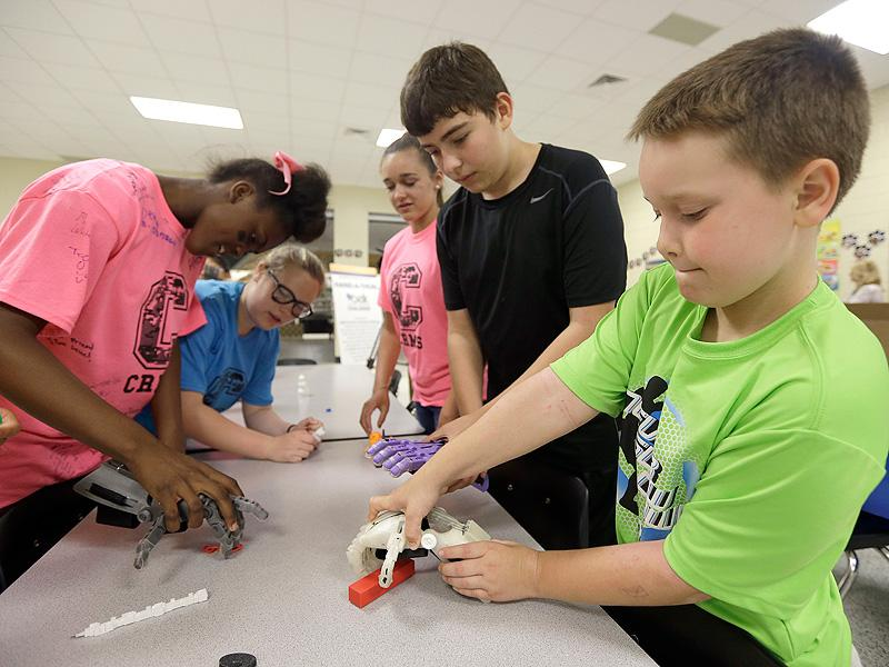 Girl Power  3D Printing MiddleSchoolers Go Big 3D Printing Prosthetic Hands for Other Kids
