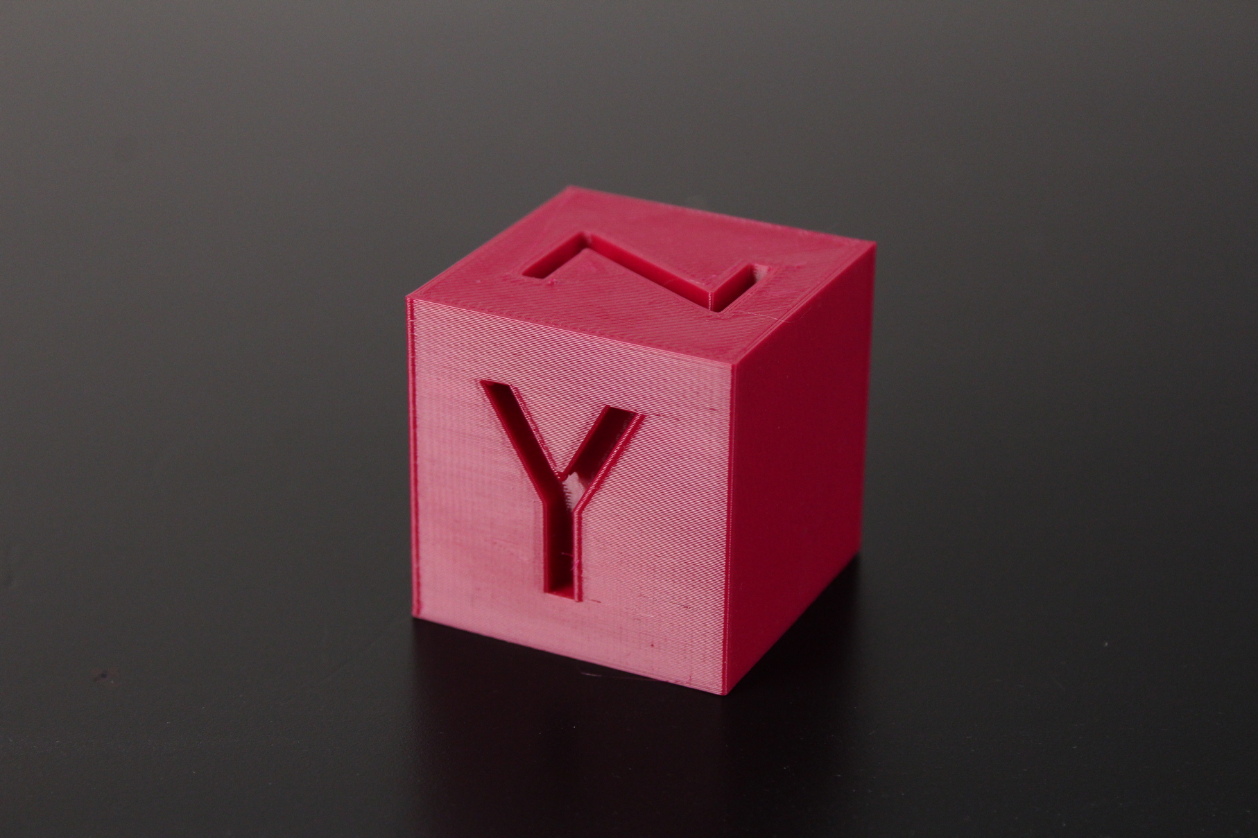PETG-Calibration-Cube-on-Sermoon-D1-1