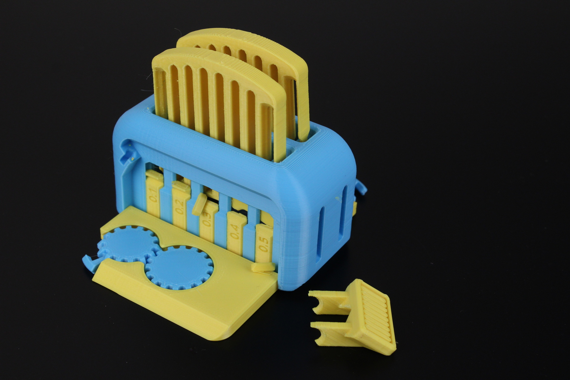 Dual-Color-Torture-Toaster-on-Flashforge-CP2-2