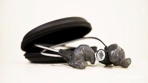 Quét 3D và thiết kế mẫu tai nghe