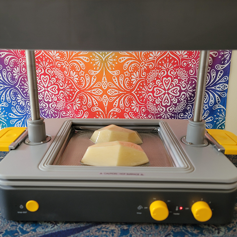 Using the Mayku FormBox Vacuum Former to create a mold from a potato