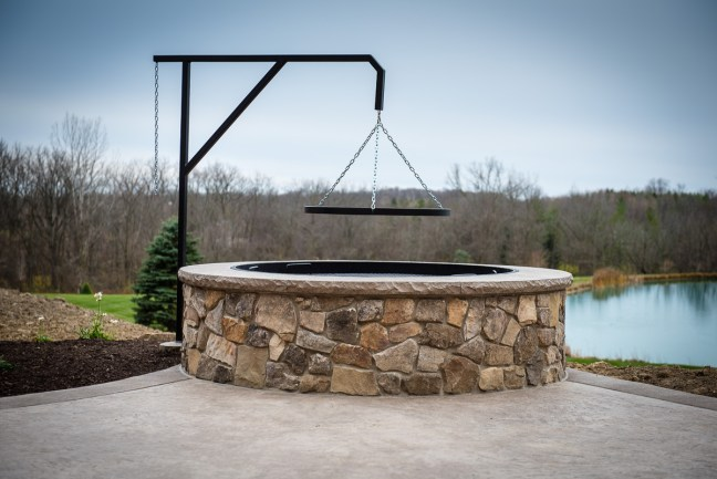 Large Firepit with grate 2