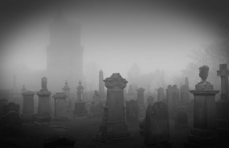 10 True Ghost Stories From The Most Haunted Places In The World Reader S Digest Australia