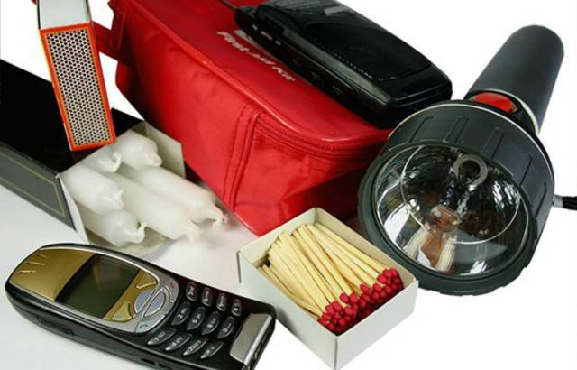 Emergency kit   Everyday Uses For Your Emergency Survival Kit