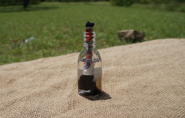Make Sure Wick Fits Snugly In   How To Make An Improvised Camping Lantern