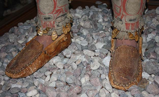 Footwear | Do You Know These 25 Native American Survival Skills?