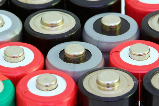 Red and black battery | Ultimate Survival Tips | Uses For An Empty Pill Bottle