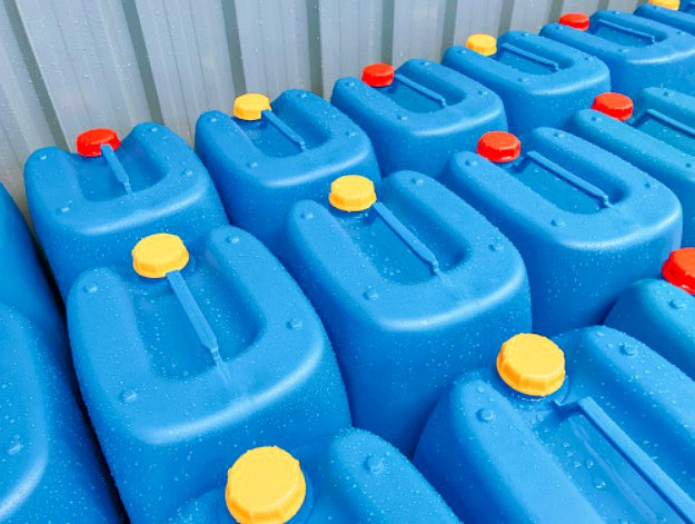 Sanitize Your Containers | Emergency Water Storage Tips For Preppers Like You