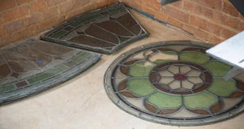 3fD_Chapel_Old_Stained_Glass_Panels
