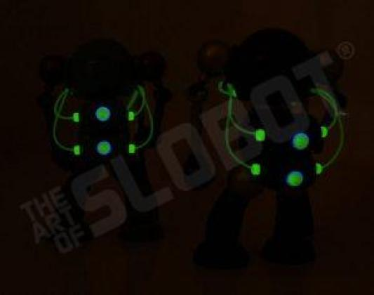 mikeslobot_SUPbot_both_glow_back