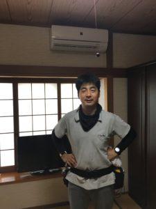 取り付けたエアコンの前で涼むのが超気持ちいいです。遠賀町にて