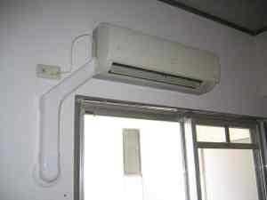 こちらはスリーエイチ デンキが付けた室内用エアコンダクト