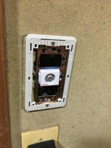 ブースター取り付けにはアンテナコンセントも電通型を