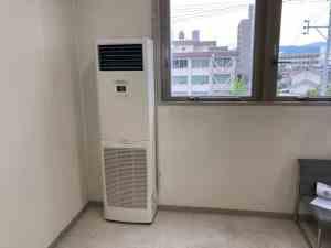 「三菱電機 PUZ-ZRMP56S」今回取り付けたエアコン