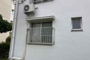エアコン室外機壁掛け工事
