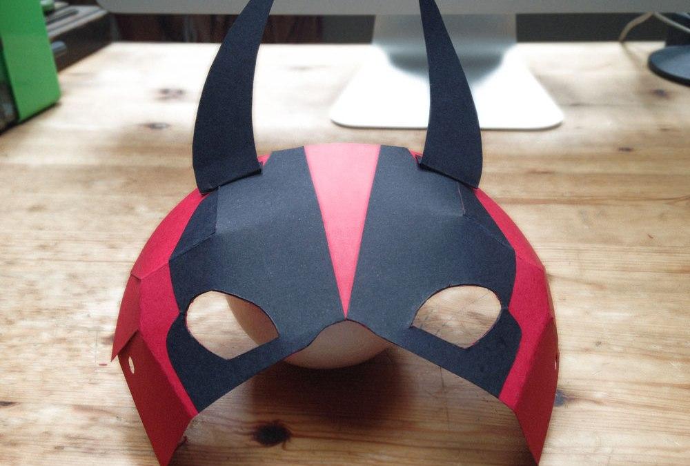 Cómo hacer una máscara de demonio