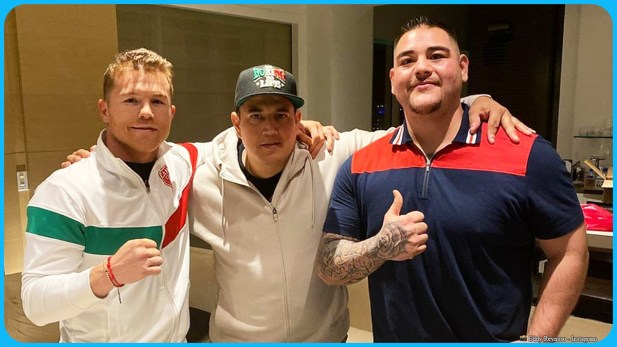 Eddy Reynoso (center) poses with Canelo Alvarez (left) and Andy Ruiz Jr., shared via Reynoso's Instagram