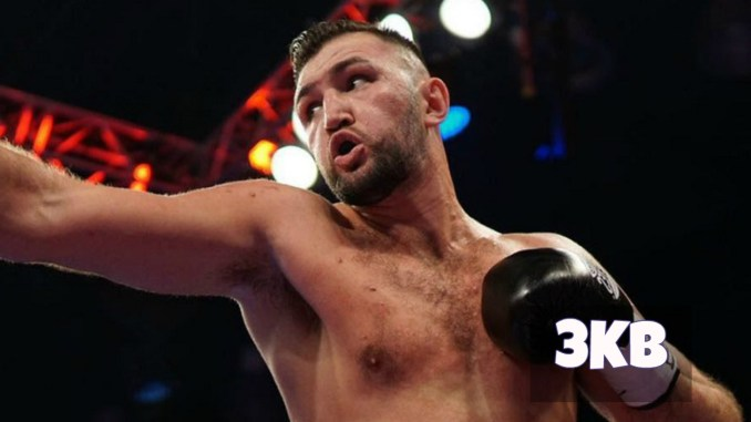 Hughie Fury lands a right hand