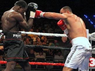 Arthur Abraham punches Edison Miranda during their September 23, 2006 IBF championship bout