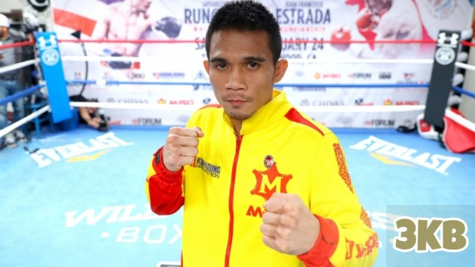 Srisaket Sor Rungvisai poses for the camera