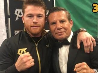 Canelo Alvarez poses with legendary Mexican fighter Julio Cesar Chavez Sr.