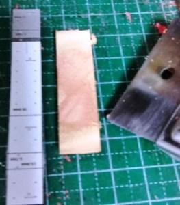 折り返し部分を薄くする 内側の革の場合