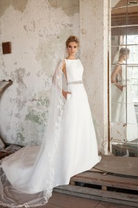 40 Simple Wedding Dresses With Standout Details! - Modern ...