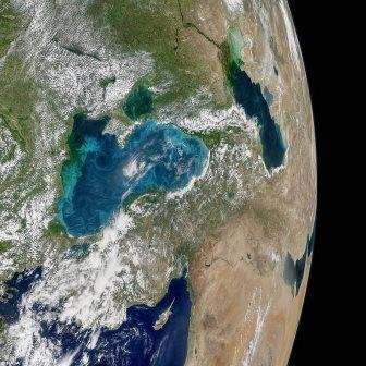 Чорне море змінило колір