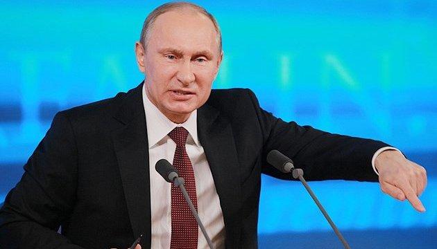 Путін поспіхом готується до війни