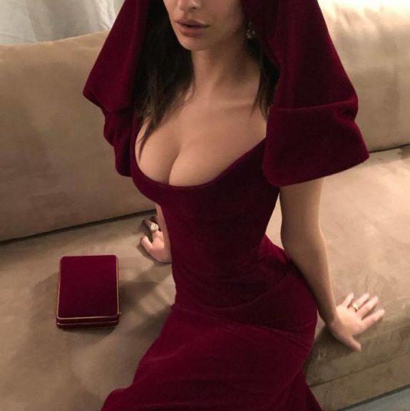 Emily Ratajkowski. Піду в монастир:)