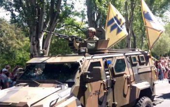 Під носом у ворога. В Маріуполі відбувся військовий парад – фото, відео
