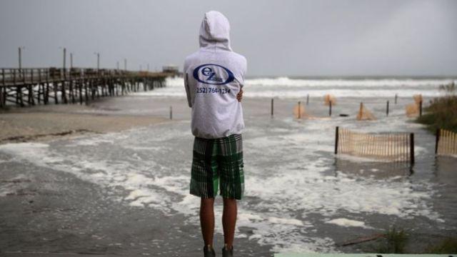 """Ураган """"Флоренс"""" наблизився до узбережжя США"""